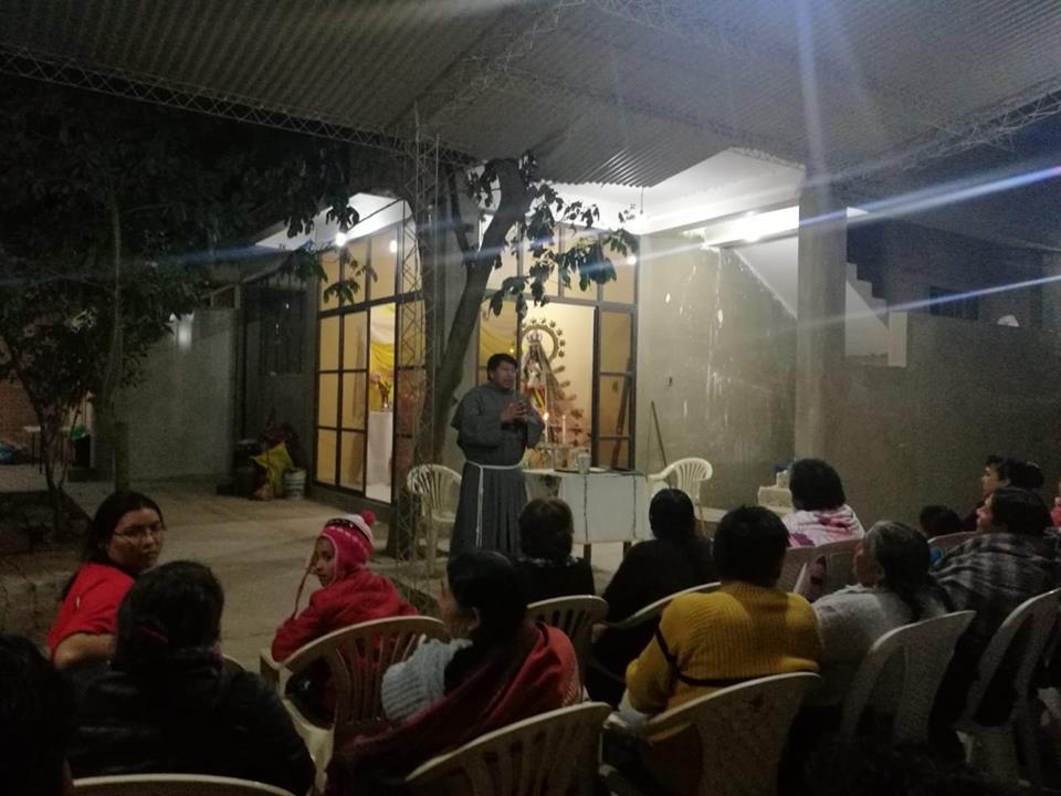 CHACACOLLO – Peregrinando con la Virgen antes de la FIESTA