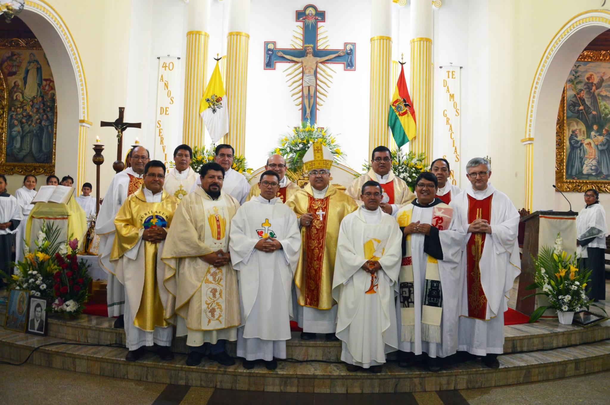 QUINTANILLA – Celebrando 40 años de existencia