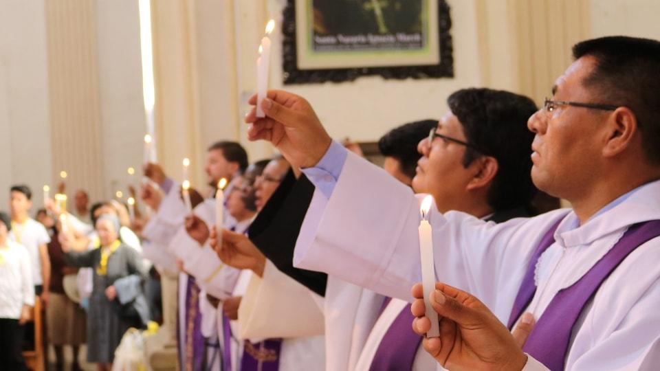 ALALAY -Participación en la Catedral de Cochabamba